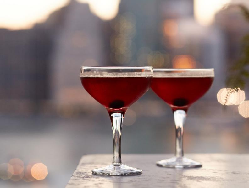 Cocktails rooftop bar, Brooklyn