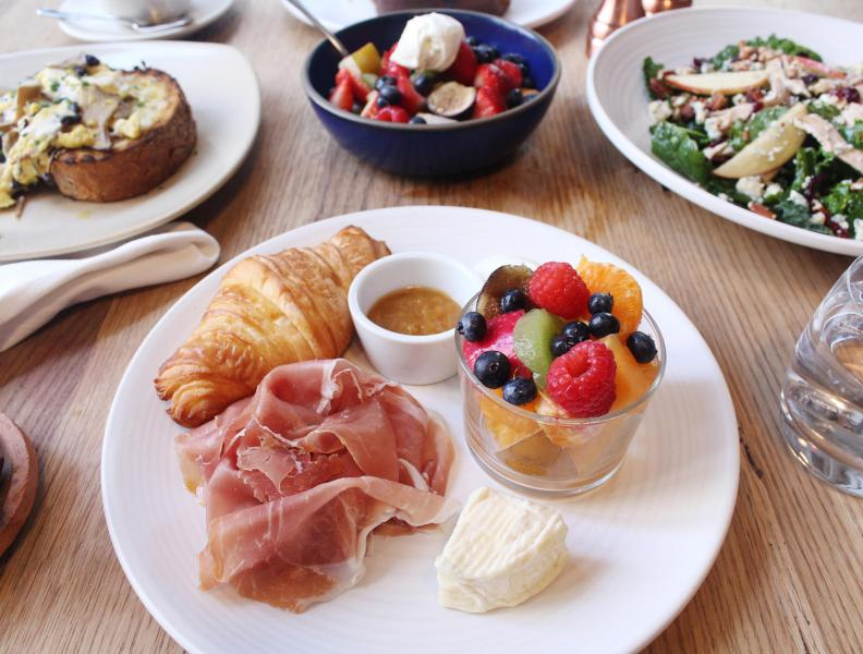Jams breakfast platter with ham and fresh fruit
