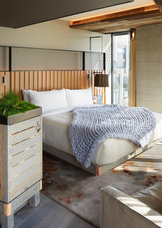 Riverhouse suite guest bedroom at Brooklyn Bridge