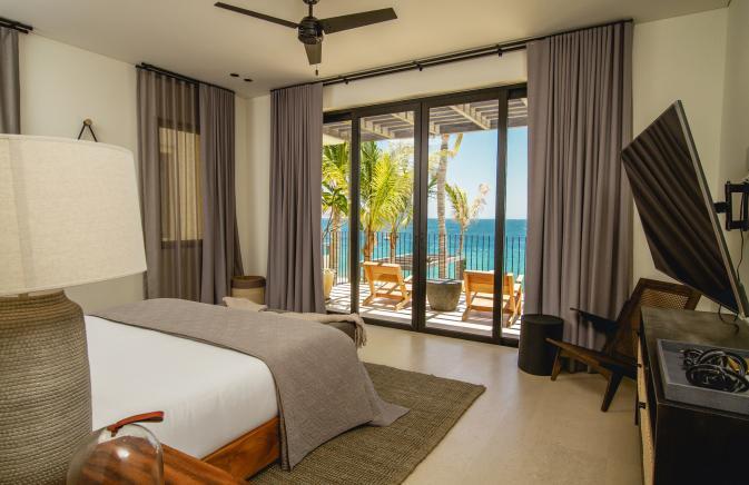 Five Bedroom Beachfront Villa Bedroom