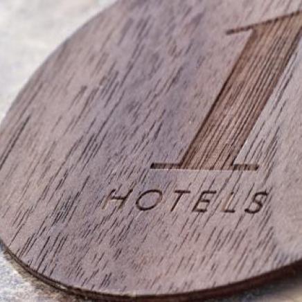 1 hotels Key