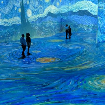 Van Gogh projections onto walls and ceilings