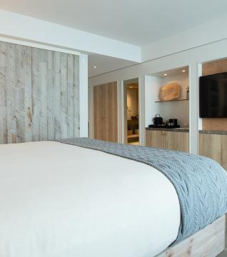 1 Hotel Toronto Model Room
