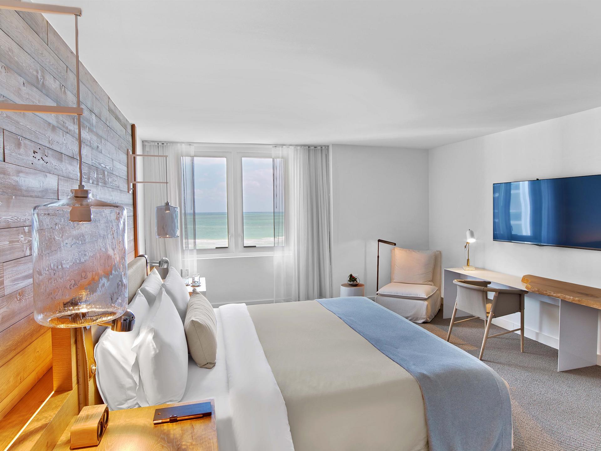 1 Bedroom with oceanfront