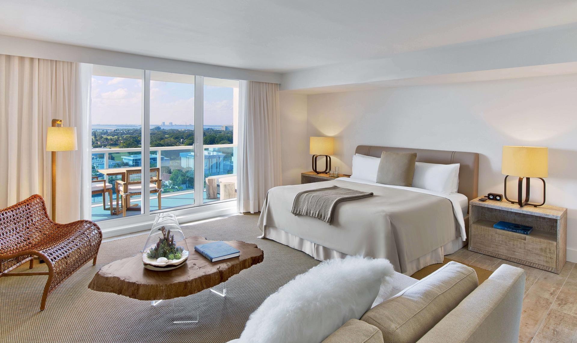 The Studio Suite with Balcony Room