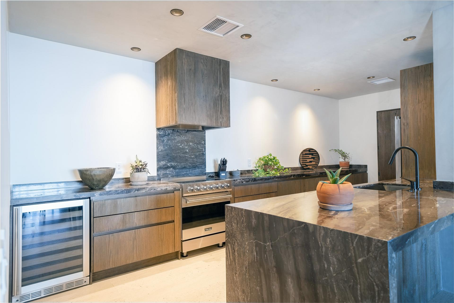 One Bedroom Ocean View Home Kitchen
