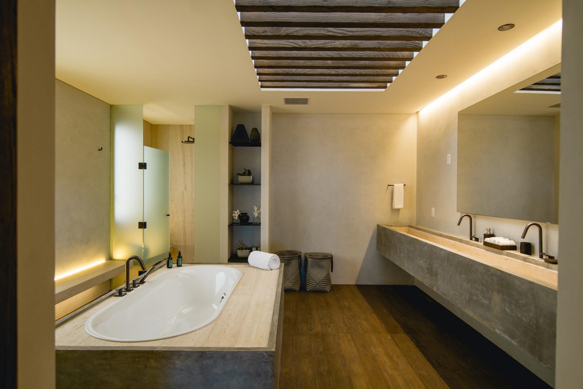 Five Bedroom Beachfront Villa Bathroom