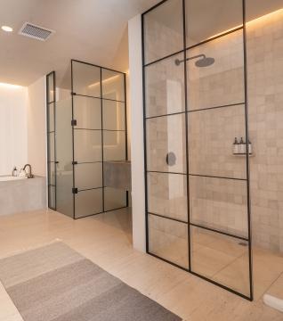 One Bedroom Ocean View Home Bathroom
